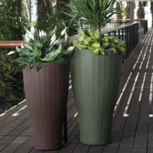 Crescent Garden - Cup Planter
