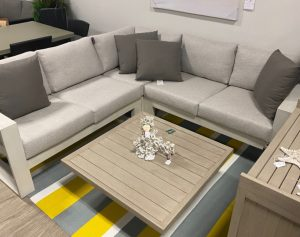 Element Sectional